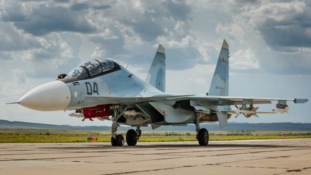 su_30cm_fighter_aircraft_airfield_104959_1600x900
