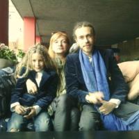 На фото Кирилл Долмацкий (Децл) с мамой Ириной и сыном Тони