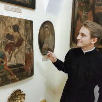 Евгений Жук, помимо экскурсионной работы, занимается исследованием богатой истории Жировичского монастыря.